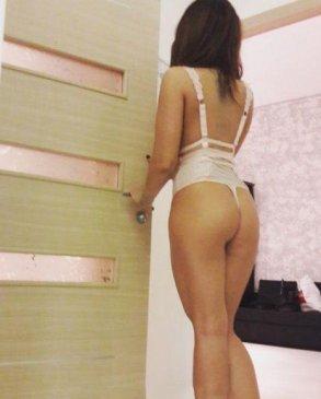 Оленька, 28